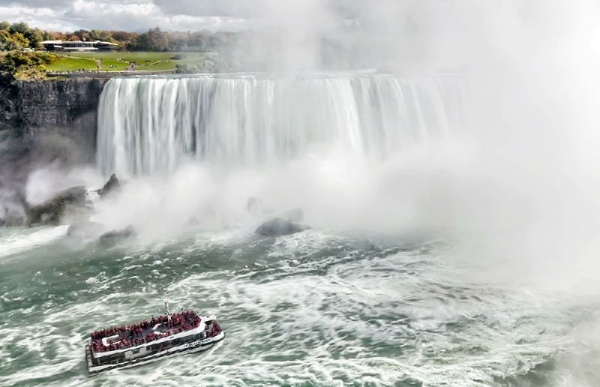 cheap niagara falls tour packages:1-Day Toronto to Niagara Falls Bus Tour