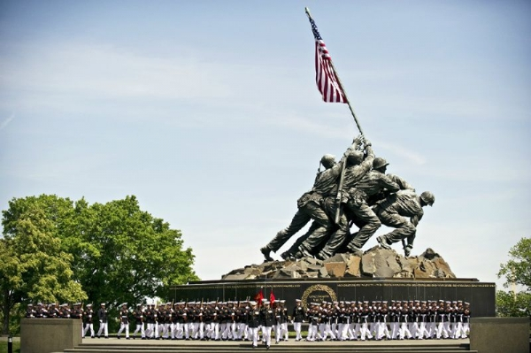 coach day trips from brisbane:DC in a Day: Lincoln Memorial - Capitol Building - Washington Monument