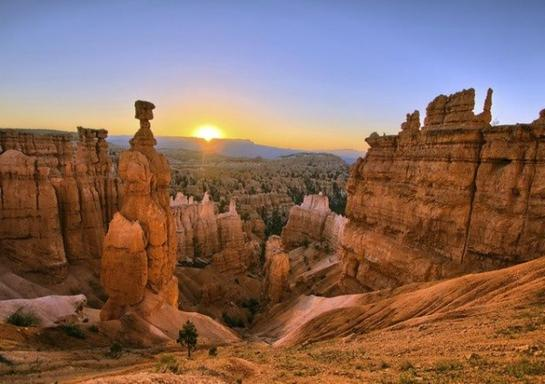 4-Day Grand Canyon, Zion National Park, Bryce Canyon & Antelope Canyon Bus Tour from Los Angeles