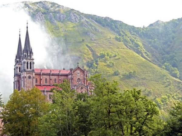5-Day Basque Country + Asturias Tour from Madrid
