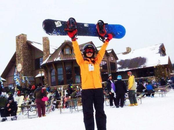 2-Day Woodbury Shopping and Mountain Creek Snow Skiing Tour from New York
