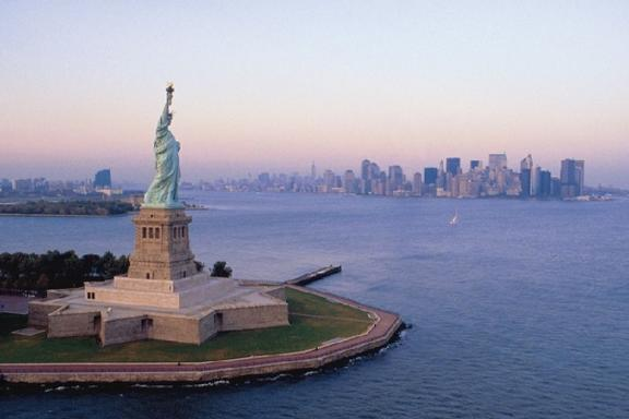 New York City Explorer Pass (Choose your activities from over 40+ Attractions)
