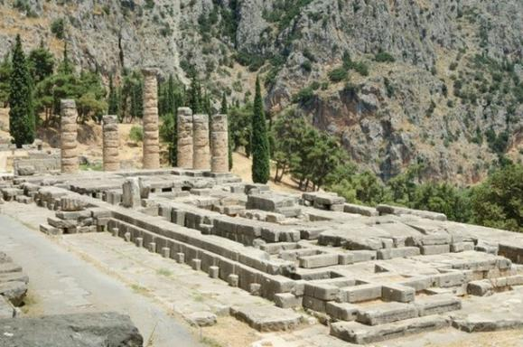 Sightseeing Tour of Ancient Corinth