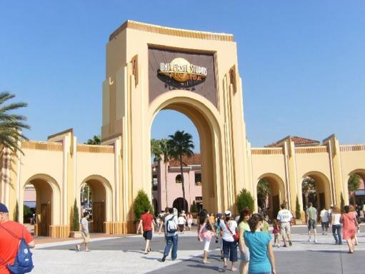 5-Day Orlando Theme Park Tour Package with Choice of 5 Parks from Miami