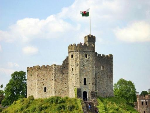 Doctor Who Cardiff Castle and City Walking Tour