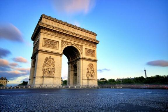 Paris Bus Tour, River Cruise and Eiffel Tower