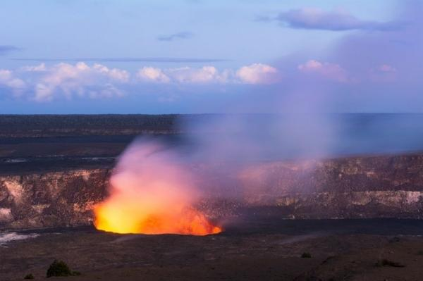 3-Day Big Island Tour: Volcanoes National Park - Orchid Garden - Akaka Falls