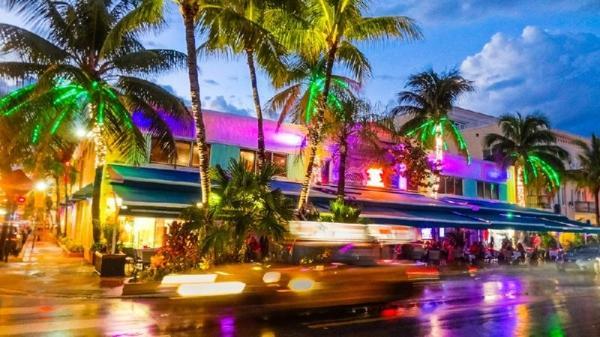 5-Day Miami Shopping Tour: Everglades Safari Park - Key West - Miami Design District and Sawgrass Mills - Palm Beach