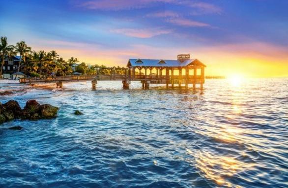 10-Day Miami and Orlando Shopping Tour: Everglades Safari Park - Key West - Miami Design District and Sawgrass Mills - Kennedy Space Center