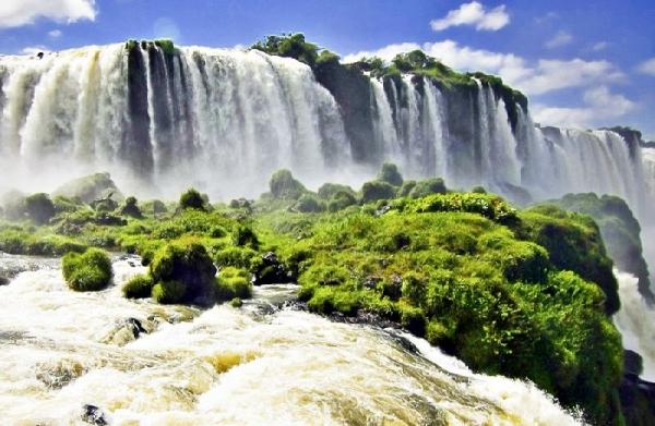 maid of the mist boat tour:Iguassu Falls Day Tour: Iguazu National Park (Argentina)