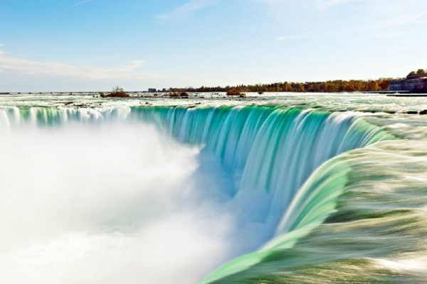 8-Day East Coast Best of America and Canada Deluxe Tour: Niagara Falls, New York , Washington, D.C., Toronto and Montreal