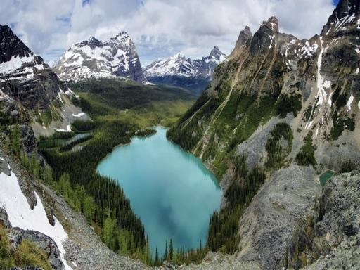 2-Day Mountain Quest Tour to Sun Peaks, Lake Louise or Banff