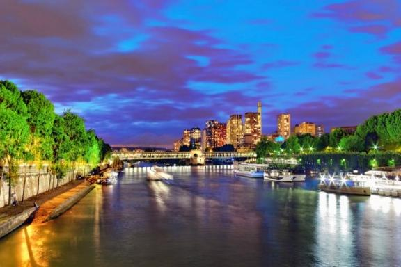 Eiffel Tower Evening Tour with River Seine Cruise