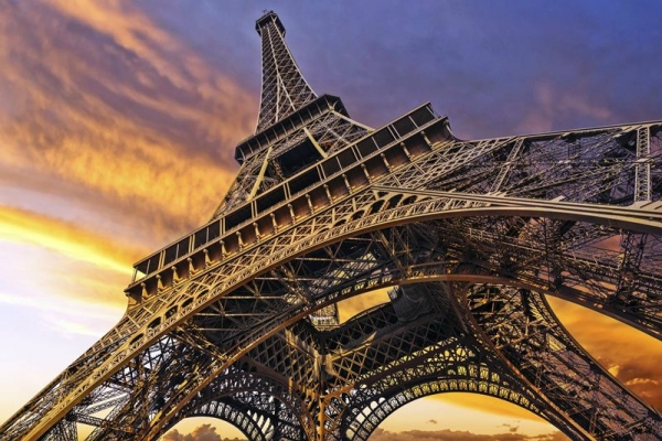 eiffel tower tour:Eiffel Tower Evening Tour with River Seine Cruise