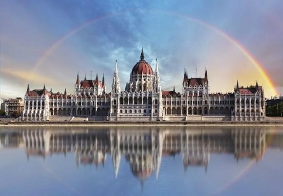 Budapest In-Depth City Tour w/ Danube River Cruise