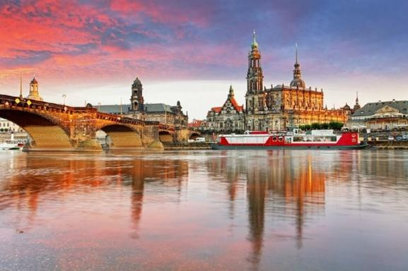Day Trip to Dresden with Zwinger Palace and Gallery