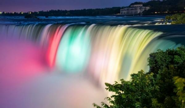 2-Day Niagara Falls and Finger Lakes Tour: US and Canada