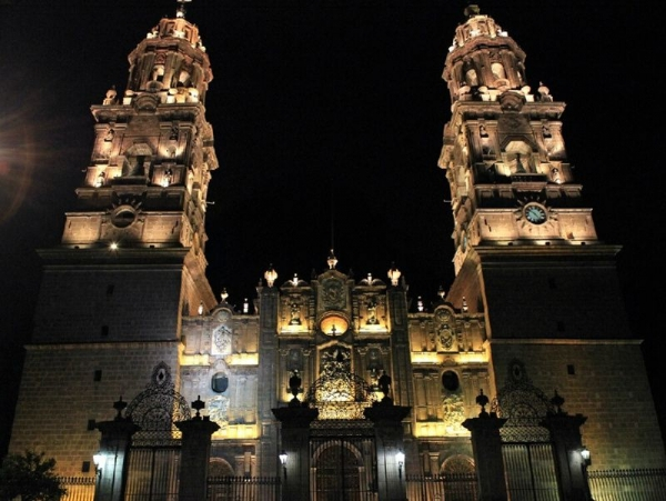 fiji day trips:9-Day Mexico Colonial Cities Tour