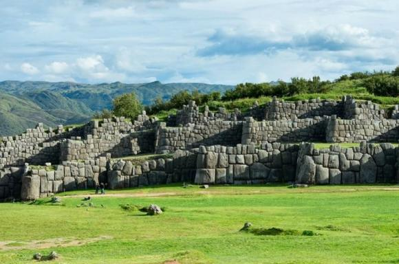 5-Hour Cusco Ruins and Markets Tour