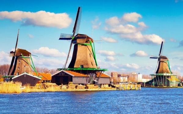 Half-Day Volendam, Marken and Windmills Tour from Amsterdam