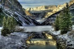 columbia icefield tours jasper:9-Day Canadian Rockies Winter Tour: Banff - Lake Louise - Jasper - Vancouver