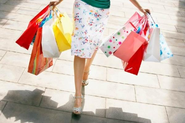 1-Day Outlet Collection at Niagara Shopping Tour from Toronto