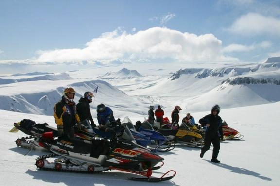 Iceland Golden Circle, Super Jeep, and Snowmobile Glacier Tour