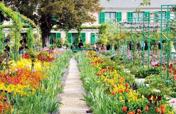 8.5-Hour Monet's Gardens Bike Tour from Paris