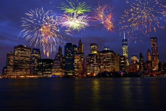 6-Day 2017 New Year's Eve Countdown US East Coast Economy Tour from New York