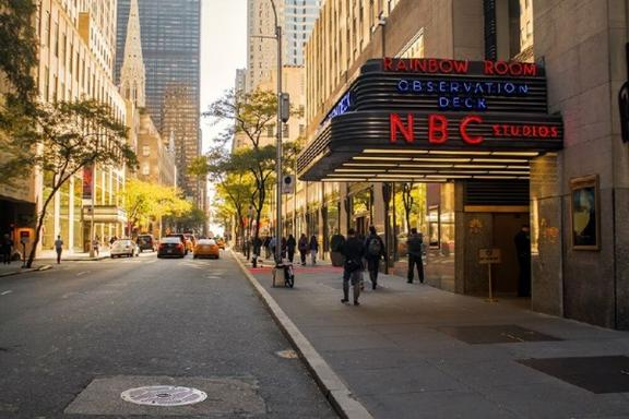1-Day TV & Movie Locations Tour with Official NBC Studios