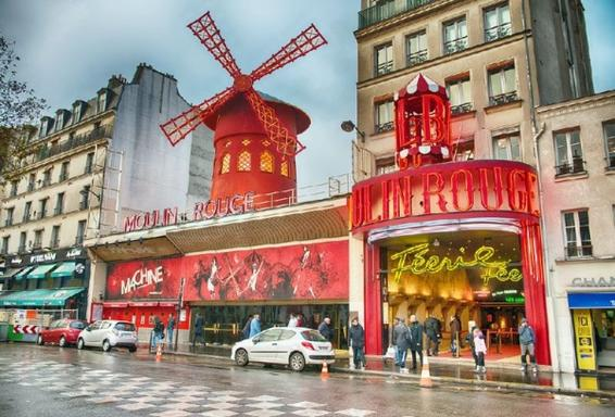 Paris City Night Tour + Moulin Rouge Revue