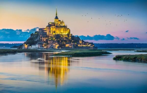 2-Day Trip to Mont Saint-Michel and Loire Valley**From Paris**