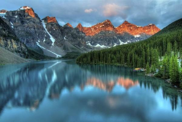4-Day Canadian Rockies + Hot Springs Deluxe Winter Tour