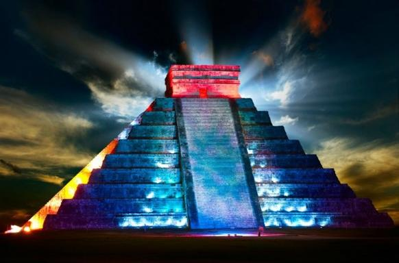 Full-Day Chichen Itza Light & Sound Tour: Kukulkan Nights