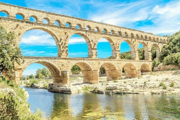 11-Day London to Rome Tour: Paris - Avignon - Barcelona - Nice - Florence