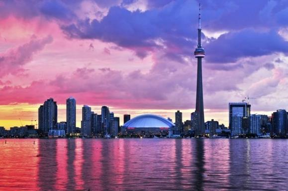 5-Days Bus tour to Toronto, Montreal, Ottawa, Kingston, Quebec City, Niagara Falls and Thousand Islands from Toronto