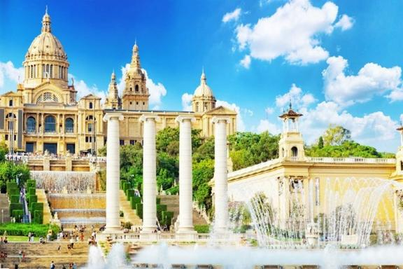 Best of Barcelona Tour w/ Sagrada Familia Skip-the-Line