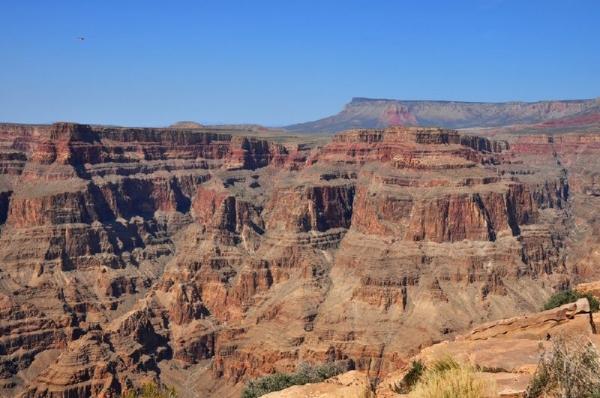 9-Day Scenic West Coast Tour: Yellowstone, Antelope & Grand Canyon W/ California Theme Parks