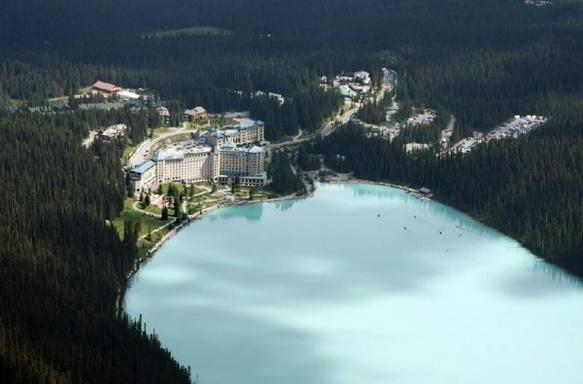 9-Day Canadian Rocky, Whistler & Victoria Summer Tour Package