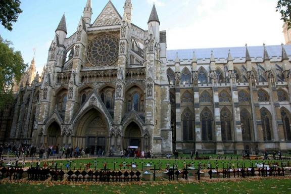 Guided Tour of Westminster Abbey and Changing of the Guard w/ National Gallery