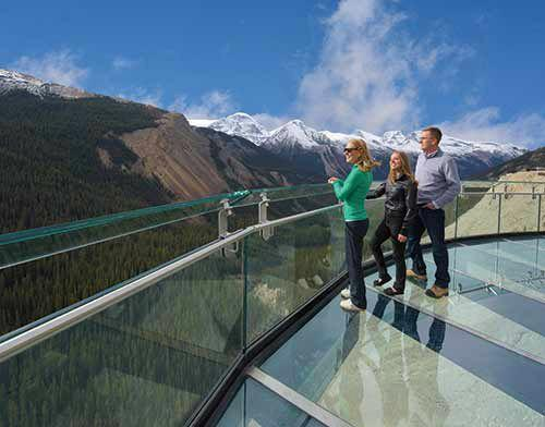 Icefield Parkway Discovery Tour From Jasper W/ Glacier Adventure & Glacier Skywalk