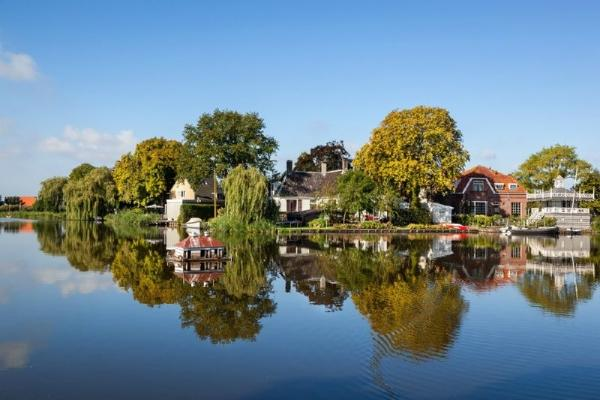 4-Hour Amsterdam Countryside Bike Tour**With visits to Broek and the Waterlands District**