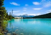 6-Day Canadian Rocky Mountain Tour from Vancouver**One night in Banff**