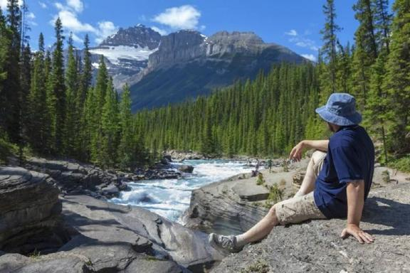 6-Day Victoria, Jasper, Calgary, Banff, Lake Louise & Canadian Rocky Mountain Tour Package With Banff Gondola