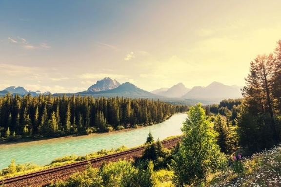 6-Day VIA Rail Tour of Vancouver, Lake Louise, Jasper, Glacier View and Rocky Mountains