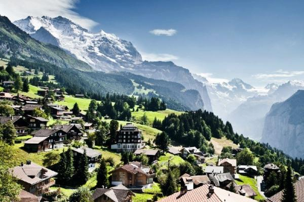 2-Day Jewels of the Alps Tour with Jungfraujoch - Top of Europe