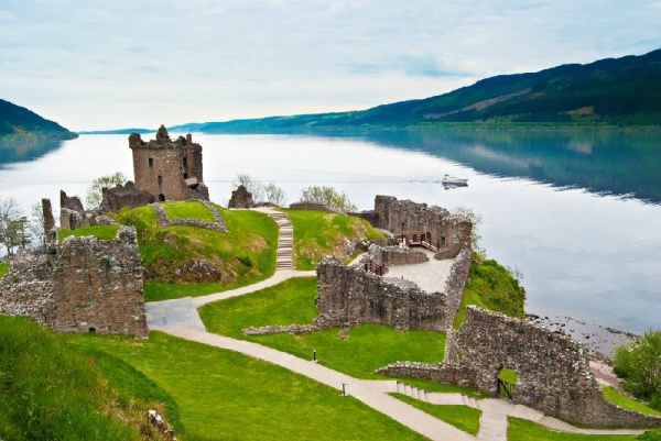 mumbai sightseeing tour packages:2-Day Loch Ness + Inverness Highlands Tour
