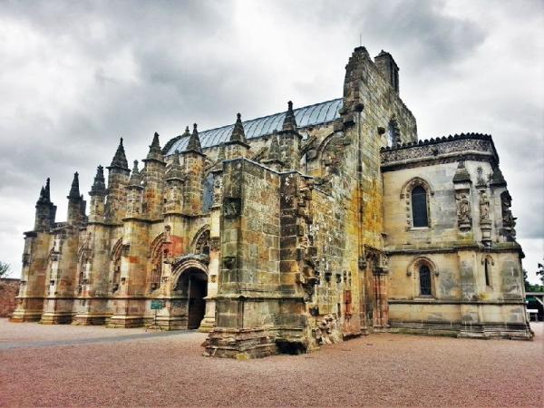 Rosslyn Chapel and Scottish Borders Day Trip