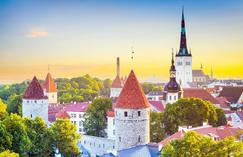 active tours in poland:18-Day Moscow, Baltic States and Eastern Europe Tour