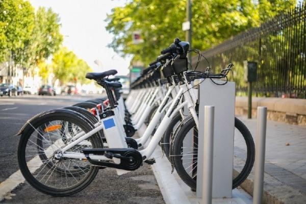 4.5-Hour Berlin e-Bike City Tour